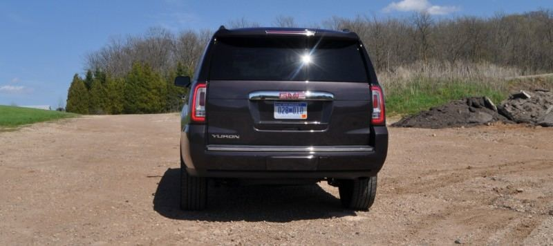 Car-Revs-Daily.com Reviews the 2015 GMC Yukon Denali 26