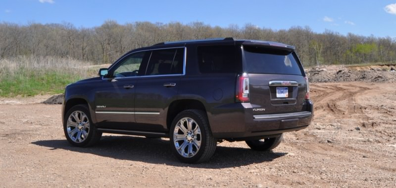 Car-Revs-Daily.com Reviews the 2015 GMC Yukon Denali 31