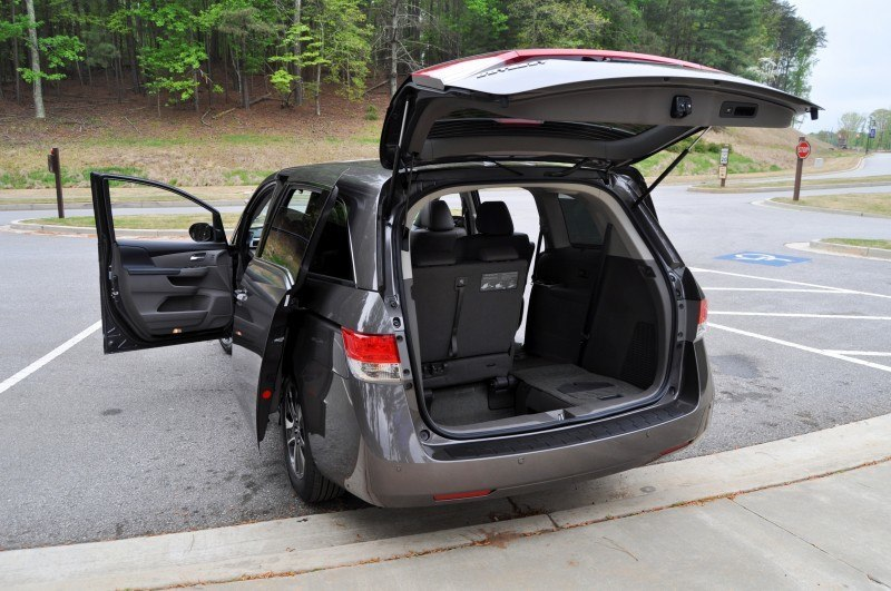 Car-Revs-Daily.com Road Test Review - 2014 Honda Odyssey Touring Elite 20
