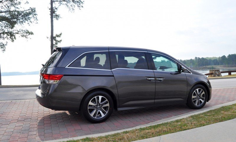 Car-Revs-Daily.com Road Test Review - 2014 Honda Odyssey Touring Elite 4