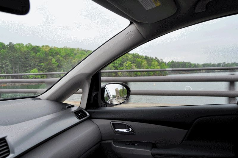 Car-Revs-Daily.com Road Test Review - 2014 Honda Odyssey Touring Elite GIF INTERIOR