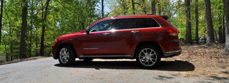 Car-Revs-Daily.com Road Test Review - 2014 Jeep Grand Cherokee Summit V6 13