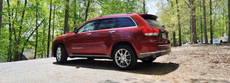 Car-Revs-Daily.com Road Test Review - 2014 Jeep Grand Cherokee Summit V6 15