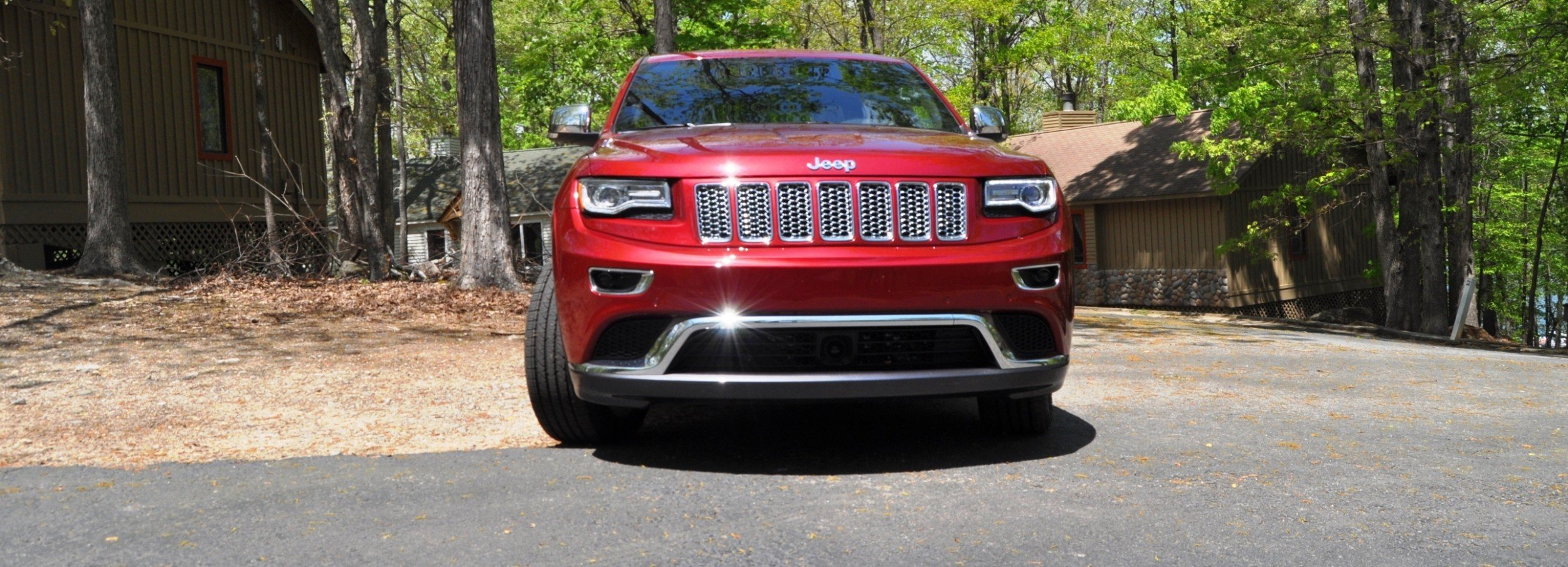 hd video road test review 2014 jeep grand cherokee summit v6 outstanding but cramped and. Black Bedroom Furniture Sets. Home Design Ideas