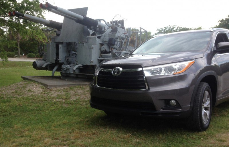 Car-Revs-Daily.com Road Test Review - 2014 Toyota Highlander XLE V6 157