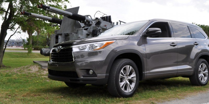 Car-Revs-Daily.com Road Test Review - 2014 Toyota Highlander XLE V6 49