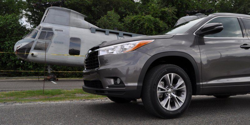 Car-Revs-Daily.com Road Test Review - 2014 Toyota Highlander XLE V6 67