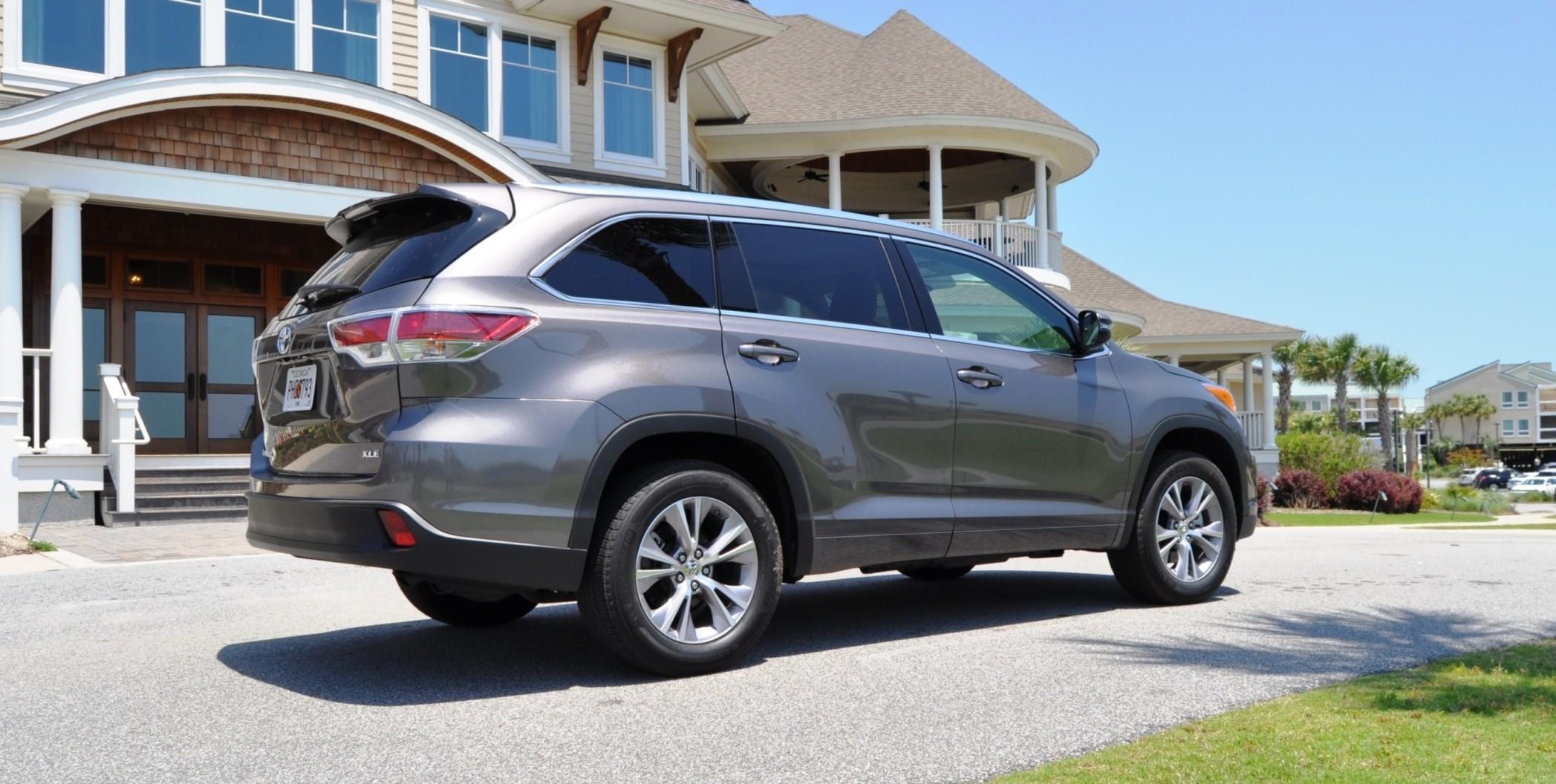 Car-Revs-Daily.com Road Test Review - 2014 Toyota Highlander XLE V6 82