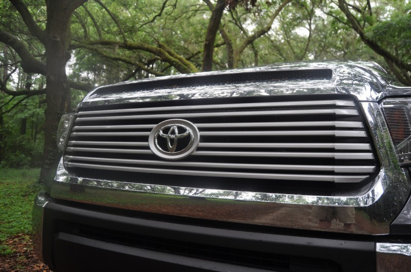 Car-Revs-Daily.com Road Test Review - 2014 Toyota Tundra 5.7L V8 CrewMax Limited 24