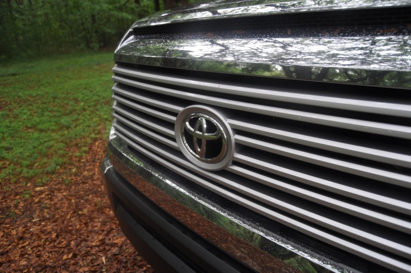 Car-Revs-Daily.com Road Test Review - 2014 Toyota Tundra 5.7L V8 CrewMax Limited 25