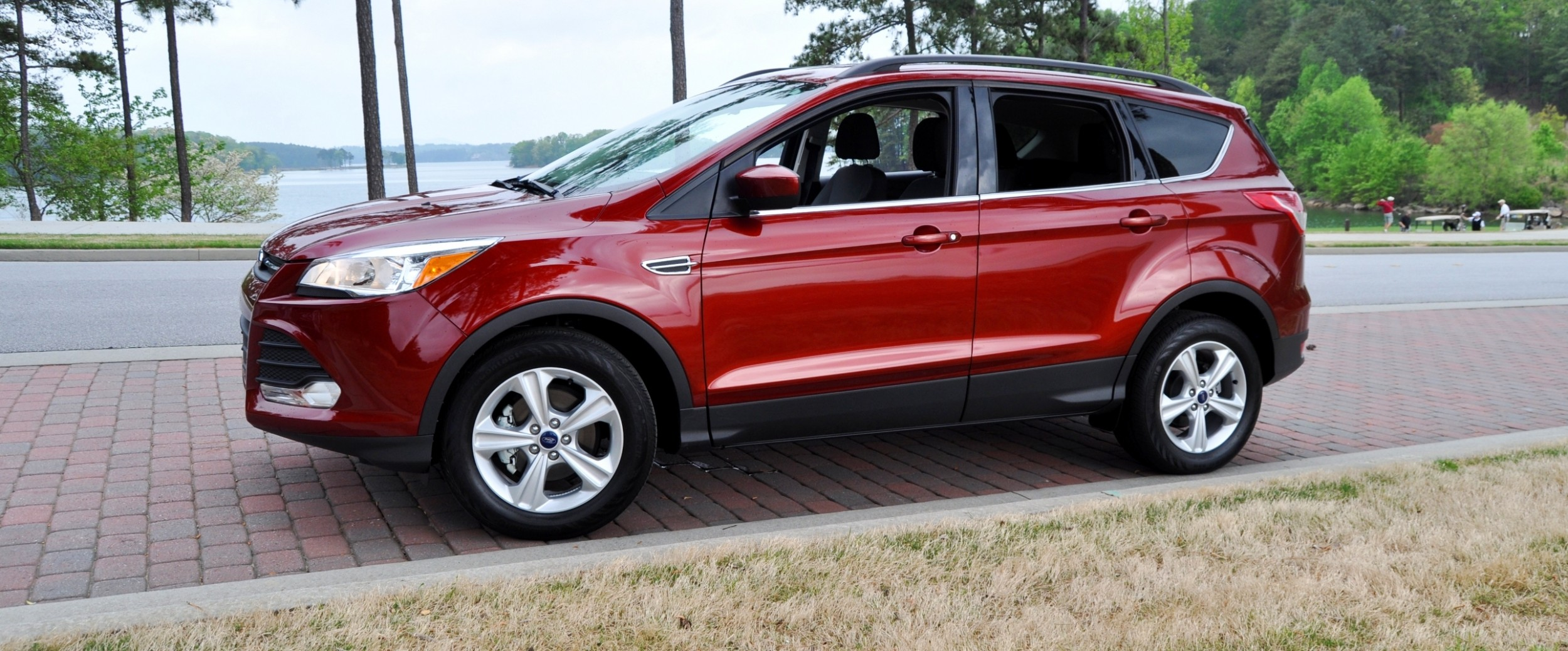 road test review 2014 ford escape se 1 6 ecoboost. Black Bedroom Furniture Sets. Home Design Ideas