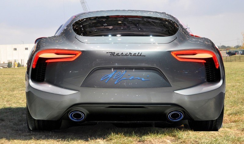 Car-Revs-Daily.com SRT Viper and Maserati Alfieri Concept - Friends or Family 14