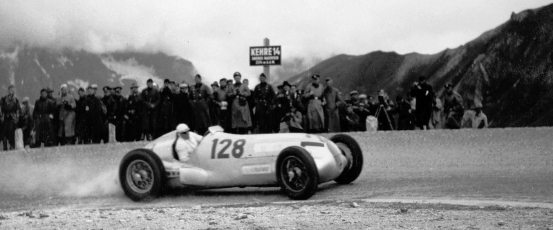 CarRevsDaily - Hour of the Silver Arrows - Action Photography 109