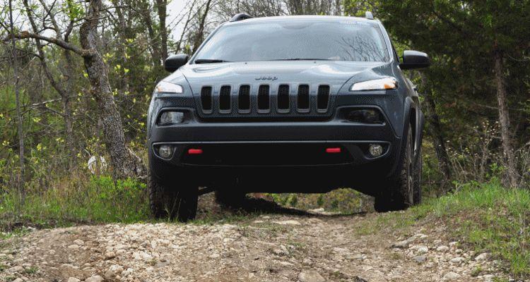 Cherokee Trailhawk GIF header1