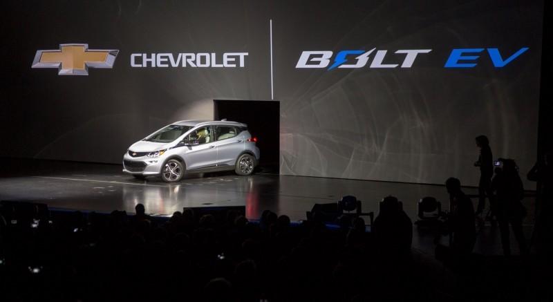 Chevrolet Unveils 2017 Bolt EV at CES