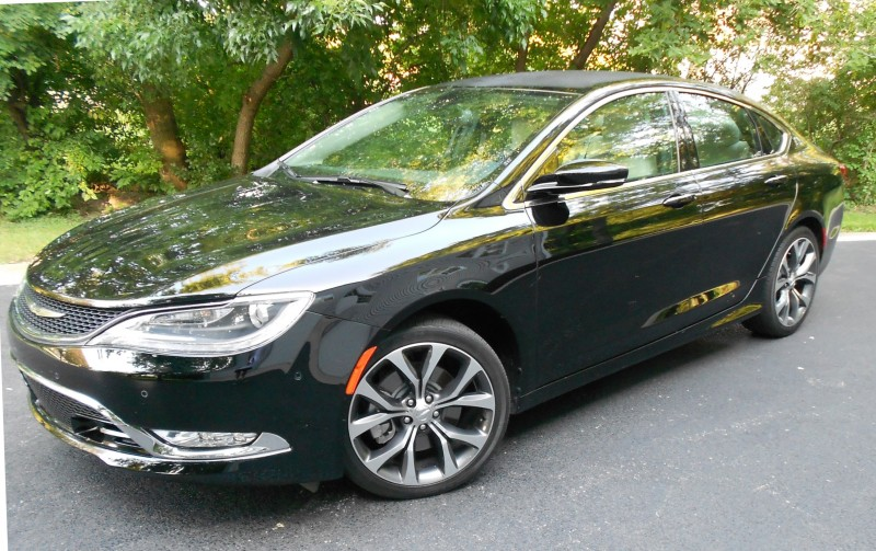 Chrysler 200 2015 007