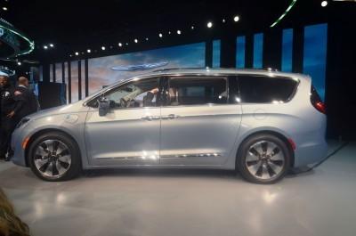 ChryslerPacifica3