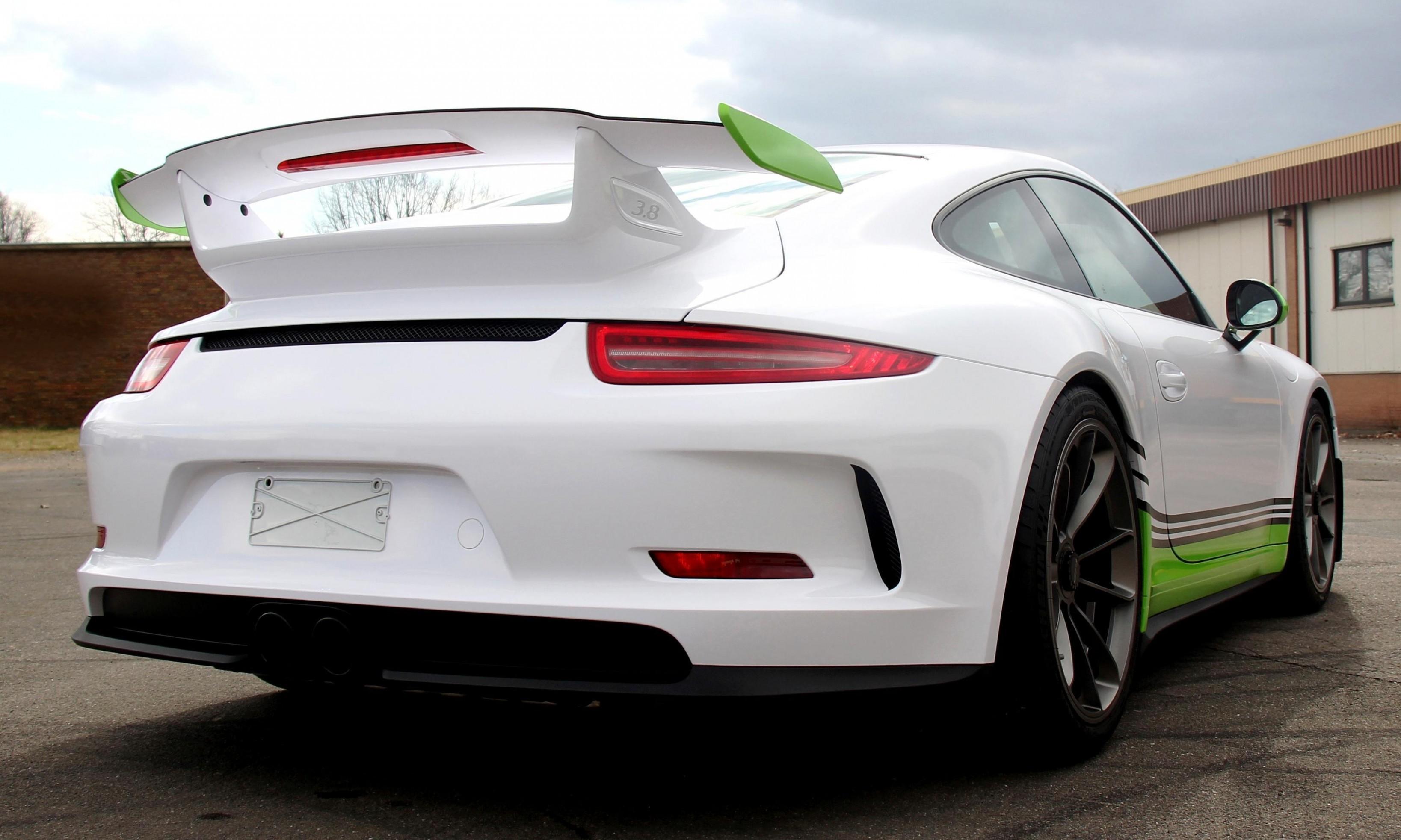 FOSTLA de Shows Artful Porsche 911 GT3 Foil Wrap Design and Execution