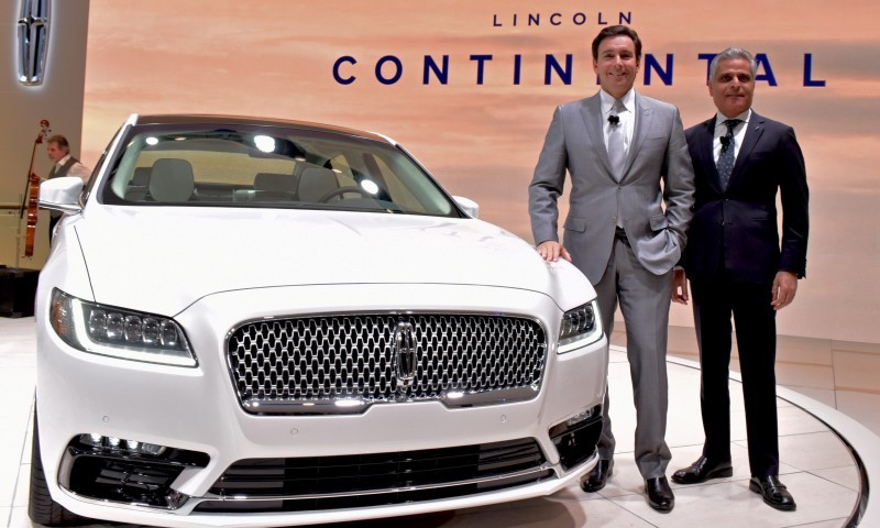Fields-and-Galhotra-with-Continental-at-NAIAS