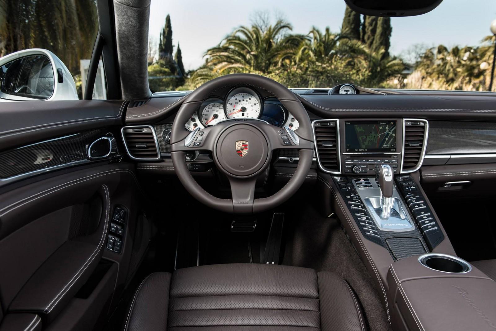 Gallery Post Alpha - Maria Sharapova Rocking Gorgeous 2014 Porsche Panamera GTS 2