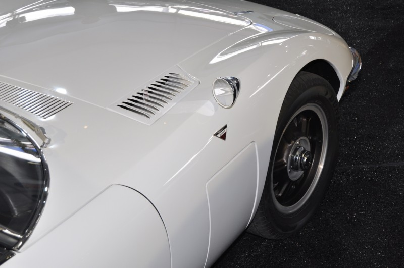 Gooding Pebble Beach 2014 - 1967 Toyota 2000GT in White with Original, US-Delivered Left-Hand-Drive 16