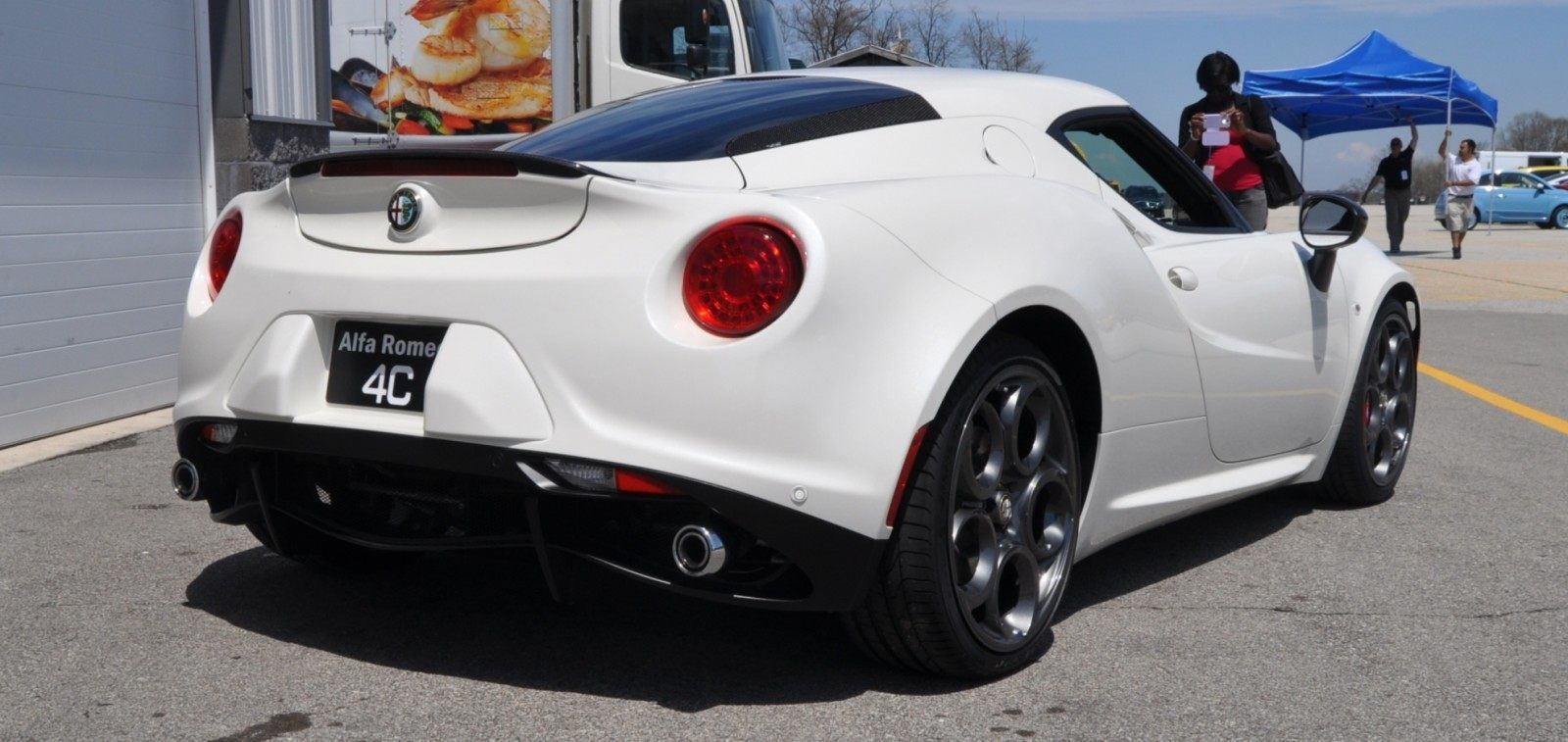 Gorgeous 2015 Alfa-Romeo 4C Revealed in Full USA Trim + New Headlights! 24