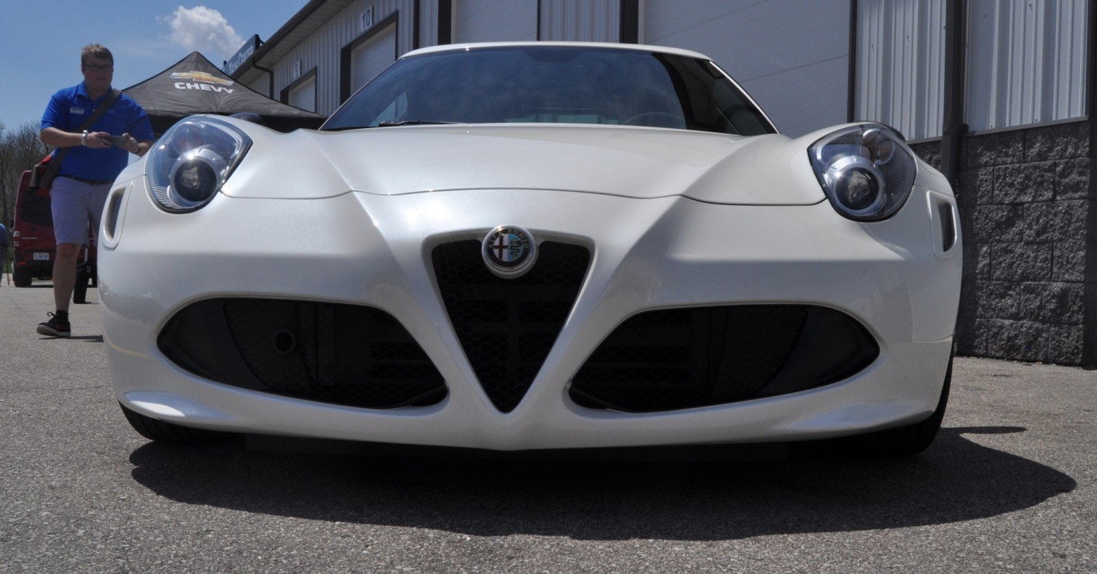 Gorgeous 2015 Alfa-Romeo 4C Revealed in Full USA Trim + New Headlights! 8