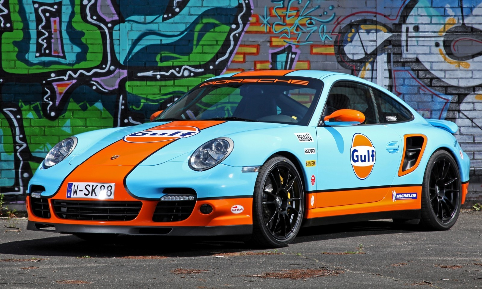Gulf Racing Livery by CAM SHAFT for the Porsche 911 Turbo 10