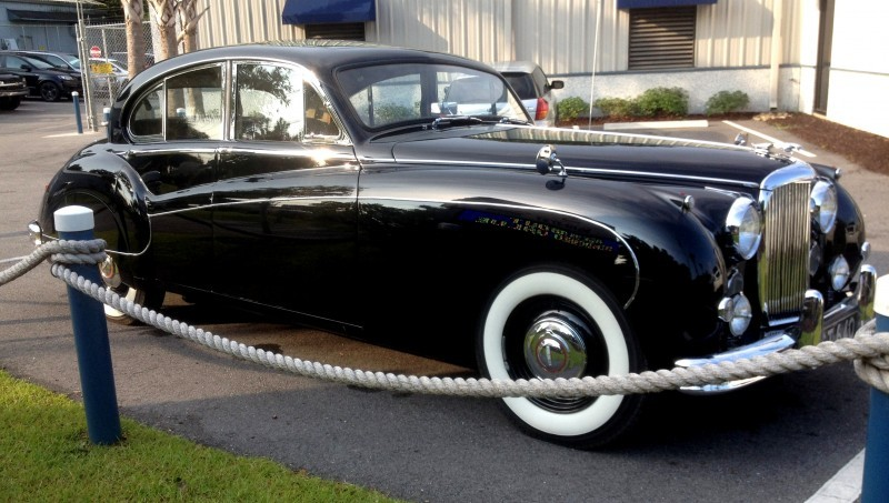 Iconic Classic - 1959 JAGUAR Mark IX Is Blue-Blood Royalty With Most Divine Cabin of the 1950s 6