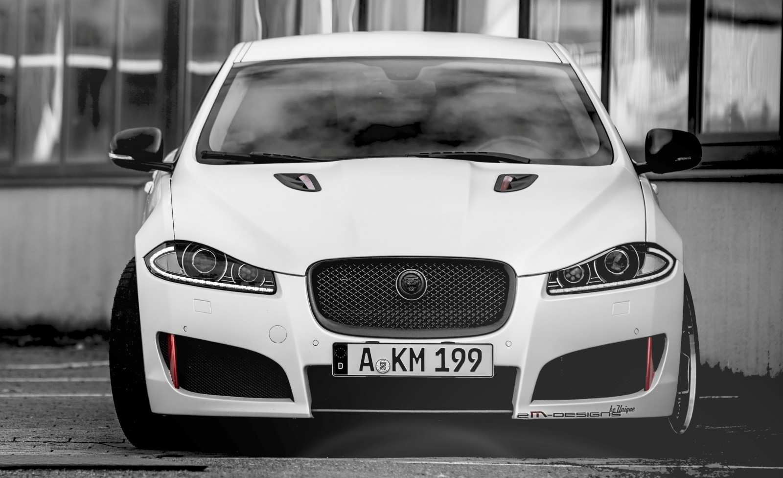JAGUAR XF by 2M Designs Shows How To Personalize a Jag With Class 20