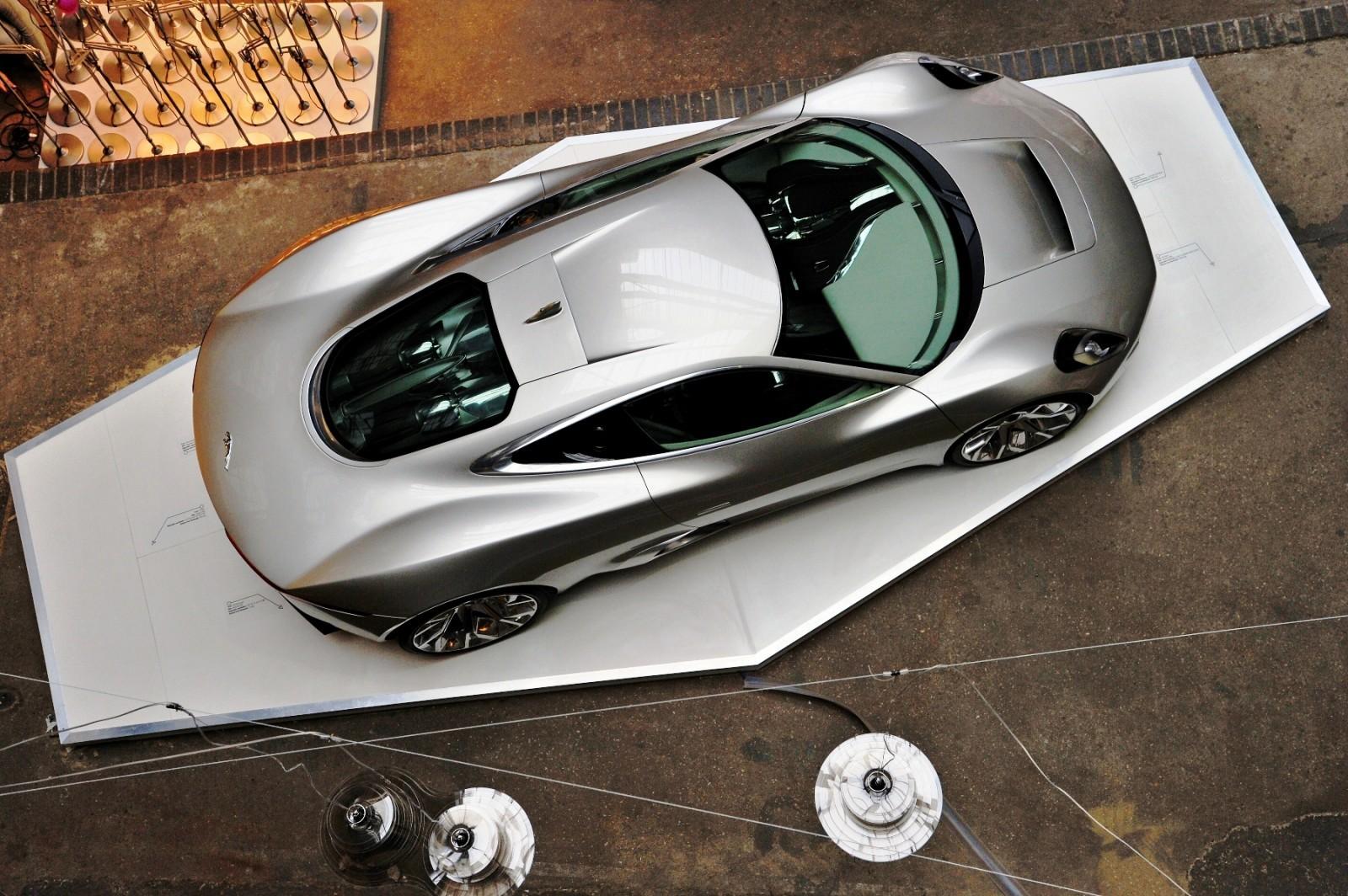 Jaguar_Clerkenwell_005_001