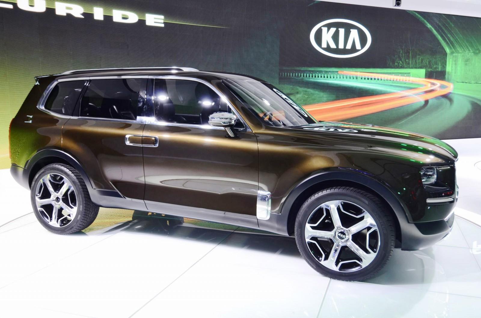 Luxury Suv 3 Rows >> 2016 Kia TELLURIDE Concept - LWB SUV Brings 7-Seat Chalet Cachet