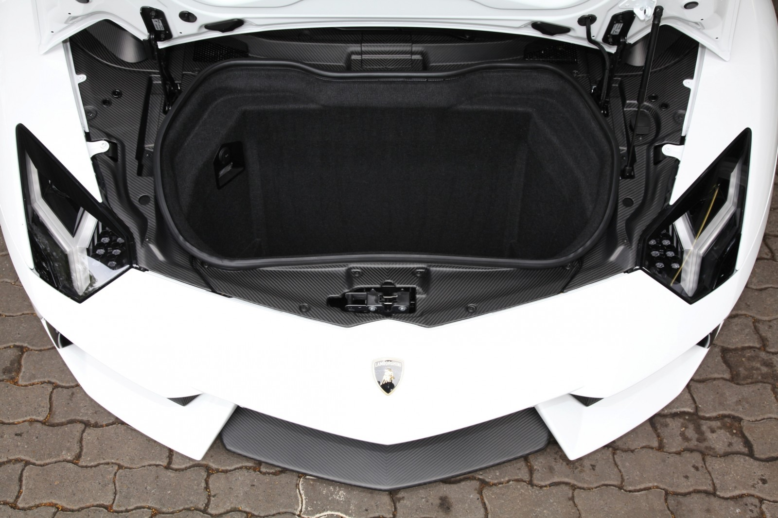 Lamborghini Aventador Becomes A Real Screamer With CAPRISTO Exhaust Upgrade 13