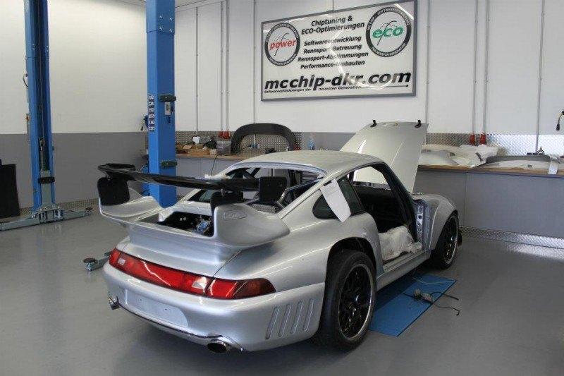 McChip-DKR Porsche 993 GT2 Mc600 22