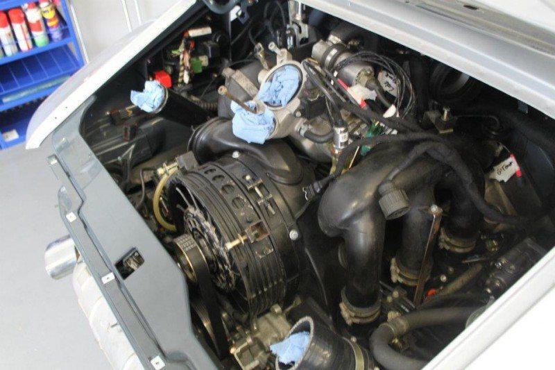 McChip-DKR Porsche 993 GT2 Mc600 23