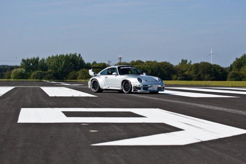 McChip-DKR Porsche 993 GT2 Mc600 35