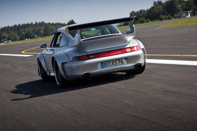 McChip-DKR Porsche 993 GT2 Mc600 37