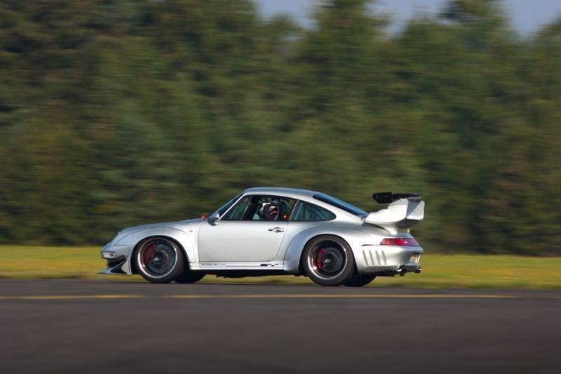 McChip-DKR Porsche 993 GT2 Mc600 38