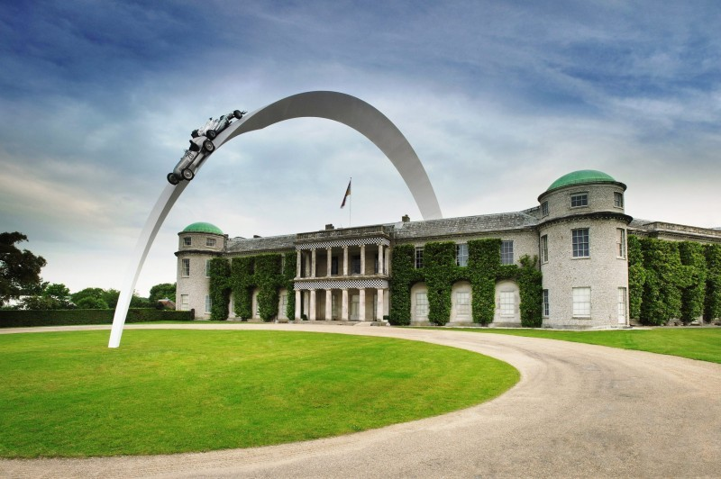 Mercedes-Benz 2014 Goodwood Sculpture Is Huge, But Predictably Joyless 13