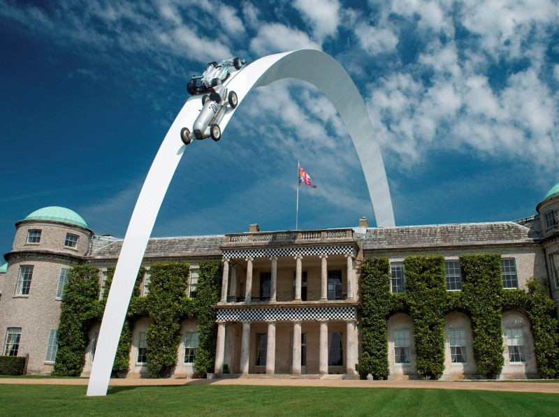 Mercedes-Benz 2014 Goodwood Sculpture Is Huge, But Predictably Joyless 9