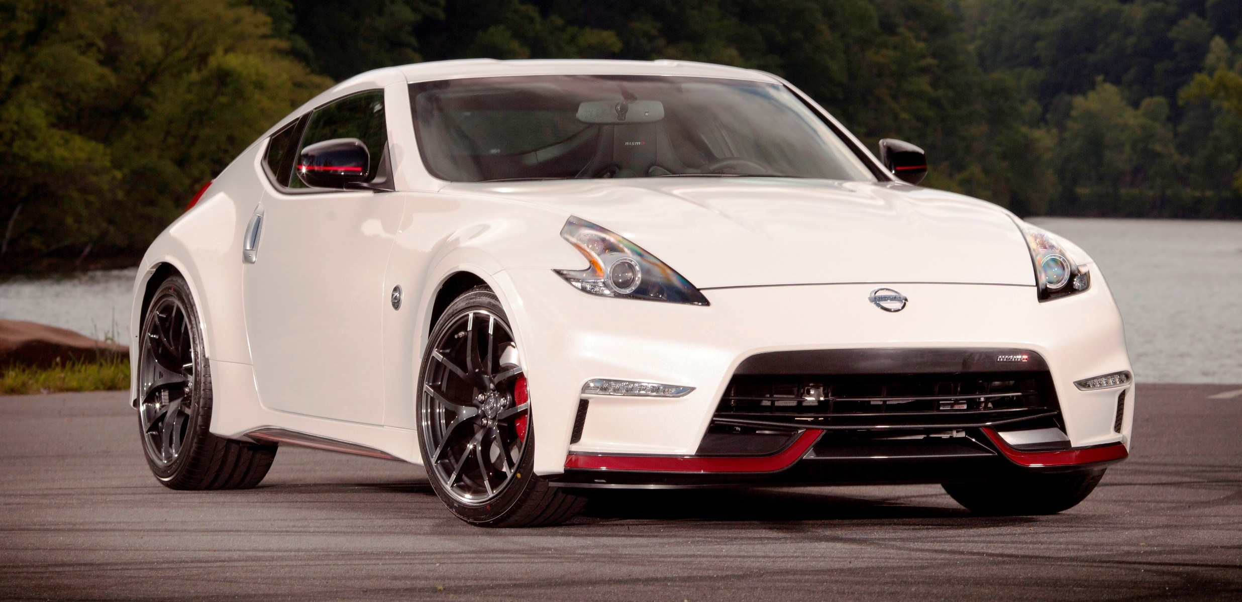 update1 new photos 2015 nissan 370z nismo facelift arrives in july. Black Bedroom Furniture Sets. Home Design Ideas