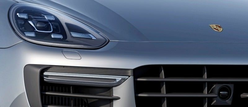 New_Porsche_Cayenne_Turbo_embargo_00_01_CEST_24_July_2014-crop2