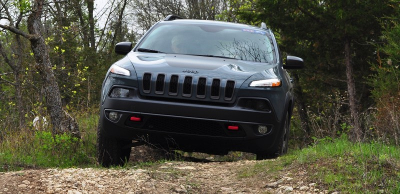 Off-Road Test Review - 2014 Jeep Cherokee Trailhawk On Some Tough and Rocky Trails 1