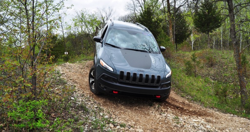Off-Road Test Review - 2014 Jeep Cherokee Trailhawk On Some Tough and Rocky Trails 10
