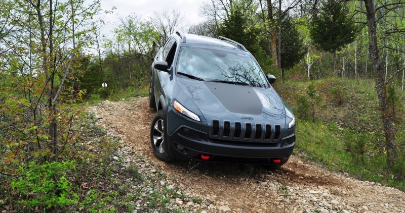 Off-Road Test Review - 2014 Jeep Cherokee Trailhawk On Some Tough and Rocky Trails 11