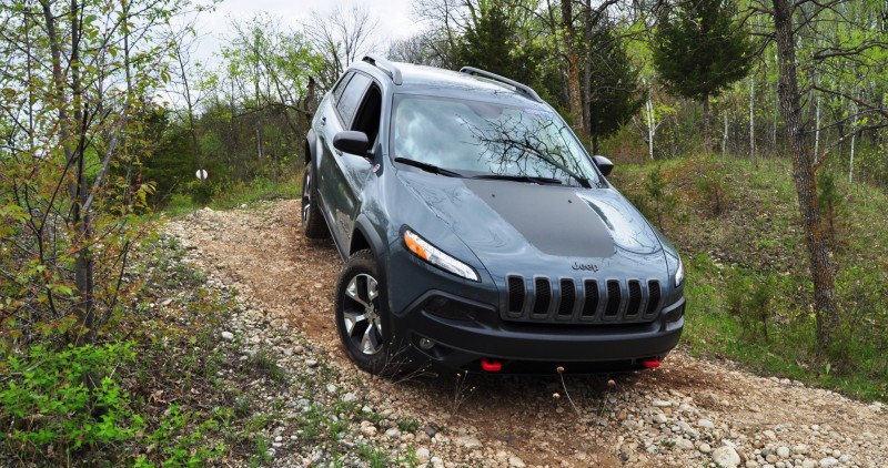 Off-Road Test Review - 2014 Jeep Cherokee Trailhawk On Some Tough and Rocky Trails 12