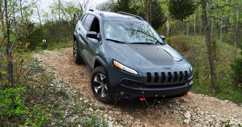 Off-Road Test Review - 2014 Jeep Cherokee Trailhawk On Some Tough and Rocky Trails 13