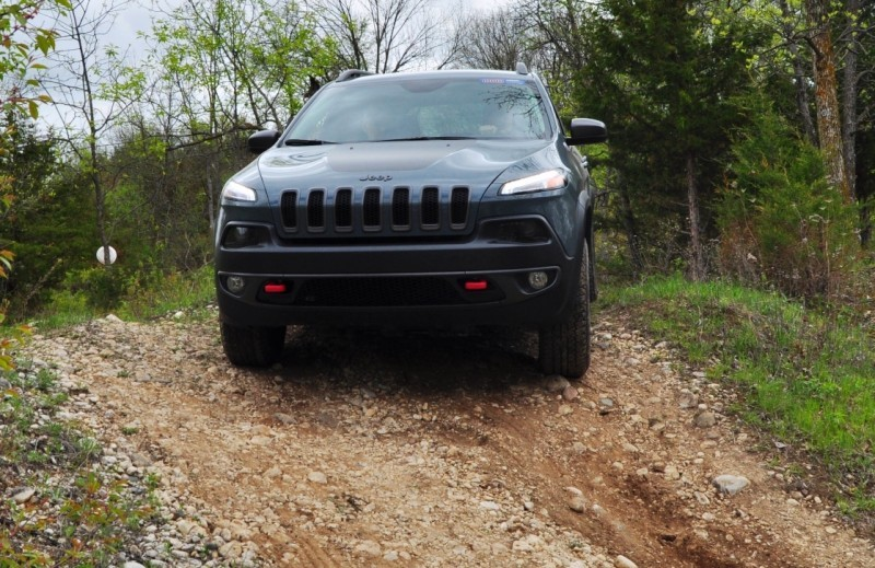 Off-Road Test Review - 2014 Jeep Cherokee Trailhawk On Some Tough and Rocky Trails 5