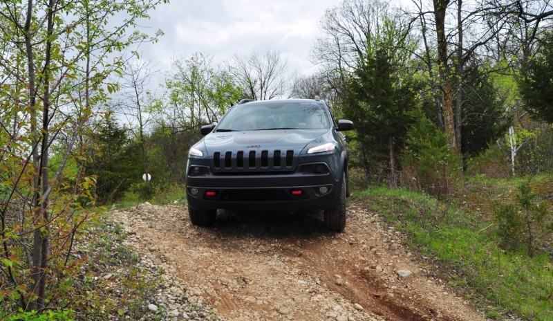 Off-Road Test Review - 2014 Jeep Cherokee Trailhawk On Some Tough and Rocky Trails 6