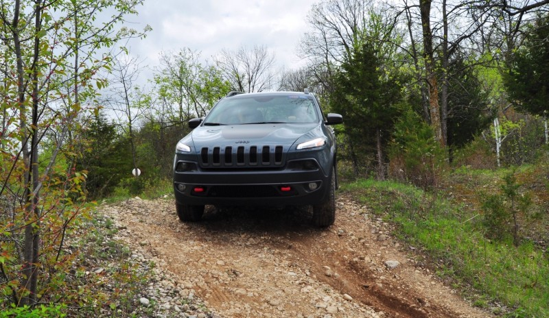 Off-Road Test Review - 2014 Jeep Cherokee Trailhawk On Some Tough and Rocky Trails 7